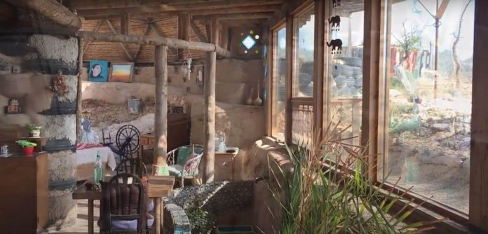British expat couple build house from trash in Spain
